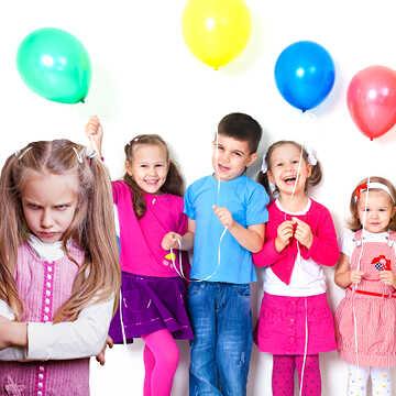 איך לגרום לילד שלי להשתתף במסיבת סיום